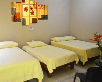 Hotel Miramar - Crucecita - Bedroom