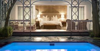 The Milner - Grahamstown - Pool