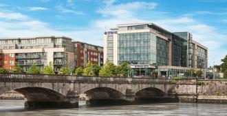 Limerick Strand Hotel - Limerick - Building