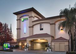 Holiday Inn Express Redwood City-Central - Redwood City - Budynek