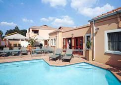 Mercure Johannesburg Bedfordview Hotel - Johannesburg - Pool