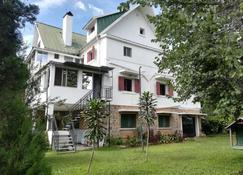 Chez Jeanne Chambre d'Hôte - Antananarivo - Building