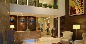Residency Sarovar Portico - Mumbai - Receptionist