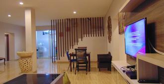 Hg Residence - South Kuta - Living room