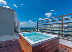 Glyfada Riviera Hotel - Glyfada - Pool
