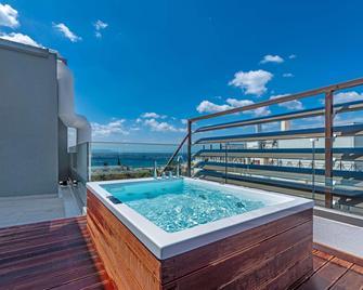 Glyfada Riviera Hotel - Glyfada - Басейн