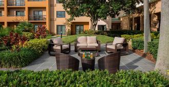 Courtyard by Marriott Orlando International Drive/Convention Center - Orlando - Pátio