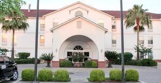 Motel 6 Rosenberg Tx - Rosenberg - Building