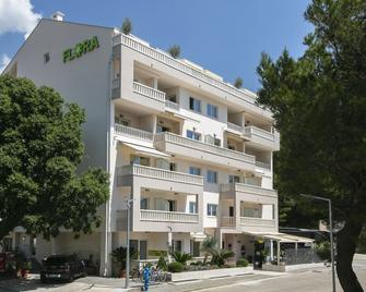 Aparthotel Flora - Tučepi - Gebäude