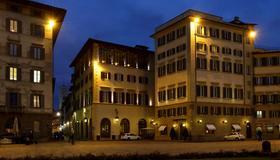 Hotel Santa Maria Novella - Florence - Gebouw