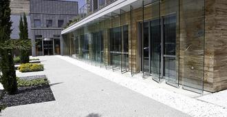Best Western Aquakub - Aix-les-Bains - Building