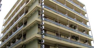 亞歷山德羅斯酒店 - 佛洛斯 - 沃洛斯
