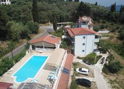Andromaches Holiday Apartments - Benitses - Πισίνα