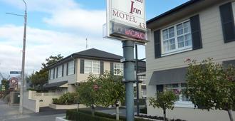 Colonial Inn Motel - כרייסטצ'רץ' - בניין