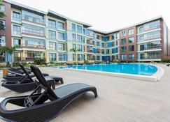 Accra Luxury Apartments Cantonments - Acra - Piscina