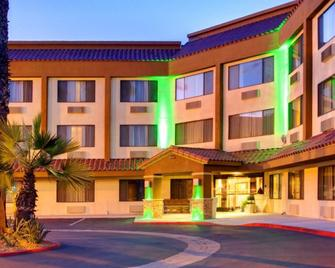Holiday Inn La Mesa - La Mesa - Building