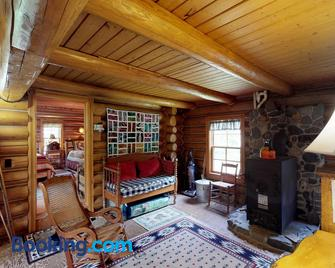 Authentic Maine Log Cabin - Greenville - Living room