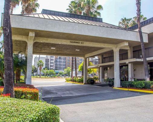 Quality Inn Riverside Near Ucr - Riverside - Rakennus