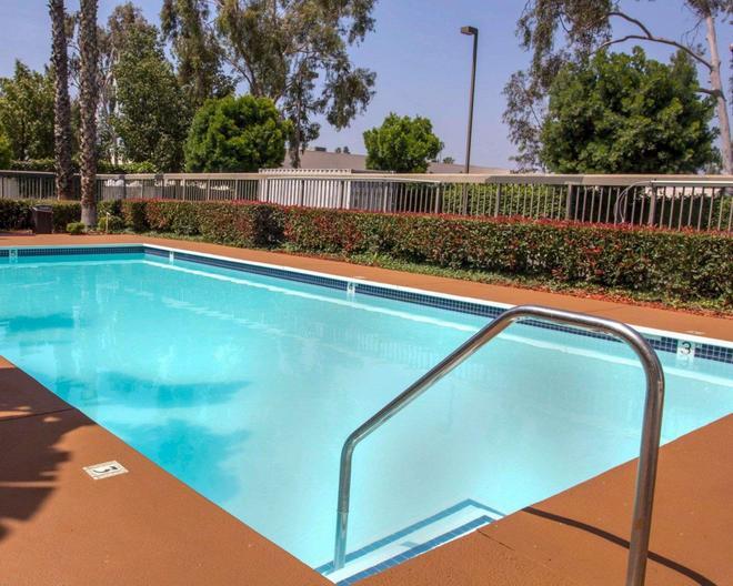 Quality Inn Riverside Near Ucr - Riverside - Pool