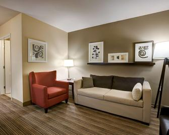 Country Inn & Suites Red Wing - Red Wing - Вітальня