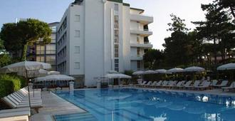 Hotel Greif - Lignano Sabbiadoro - Toà nhà