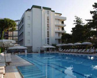 Hotel Greif - Lignano Sabbiadoro - Building