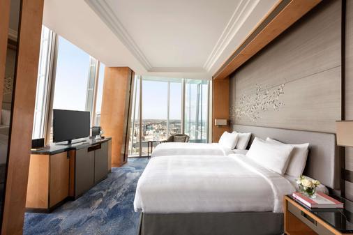 Shangri La Hotel At The Shard London - London - Bedroom