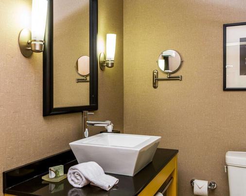 Cambria Hotel Traverse City - Thành phố Traverse - Phòng tắm