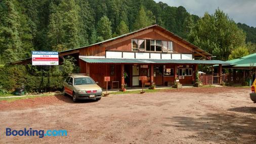 Club Tejamaniles - Laguna Larga - Building