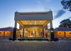 Courtyard Hotel - Livingstone - Gebäude