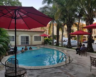 Hotel Florencia San Miguel - San Miguel - Bazén