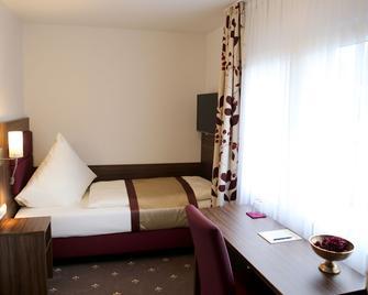 Hotel Rothkamp - Frechen - Bedroom