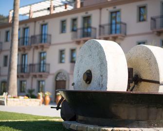 Best Western Plus Hotel Terre di Eolo - Patti - Building