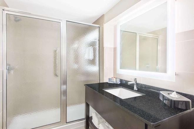 尼亞加拉瀑布城溫德漢溫蓋特酒店 - 尼加拉瀑布 - 尼亞加拉瀑布 - 浴室