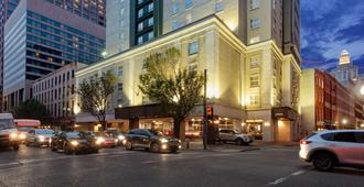 La Quinta Inn & Suites by Wyndham New Orleans Downtown - New Orleans - Gebäude