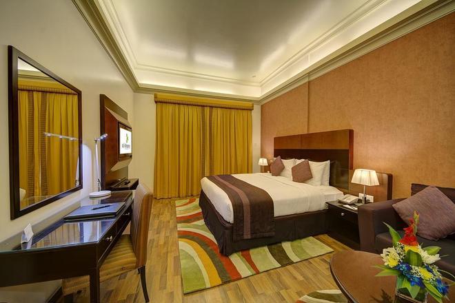 Al Khoory Hotel Apartments Al Barsha - Dubai - Bedroom