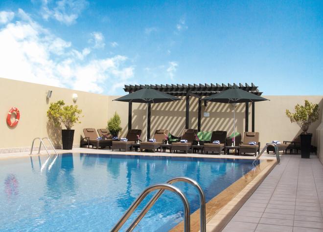 Al Khoory Hotel Apartments Al Barsha - Dubai - Pool