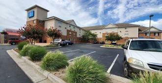 Motel 6 Richmond, Va - I-64 West - Richmond - Edifici