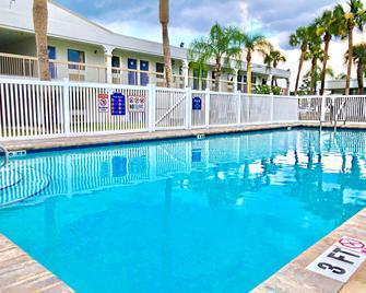 Motel 6 Starke, FL - Starke - Bazén