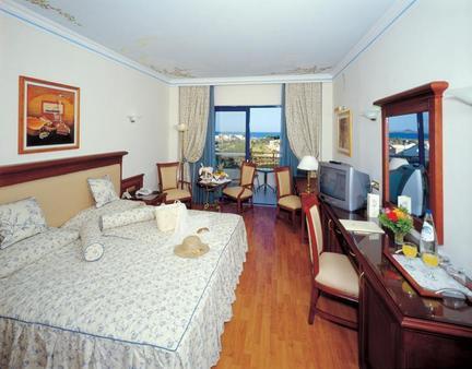 Atrium Palace Thalasso Spa Resort & Villas - Kalathos - Schlafzimmer