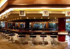 Atrium Palace Thalasso Spa Resort & Villas - Kalathos - Bar