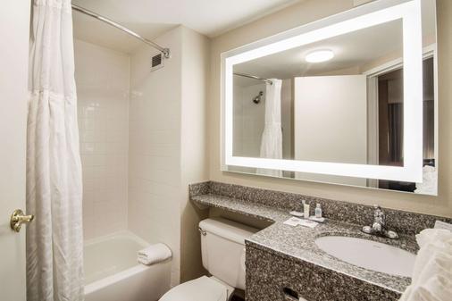 Comfort Inn Pensacola - University Area - Pensacola - Phòng tắm