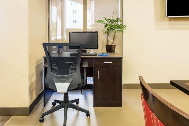 Comfort Inn Pensacola - University Area - Pensacola - Centro de negocios