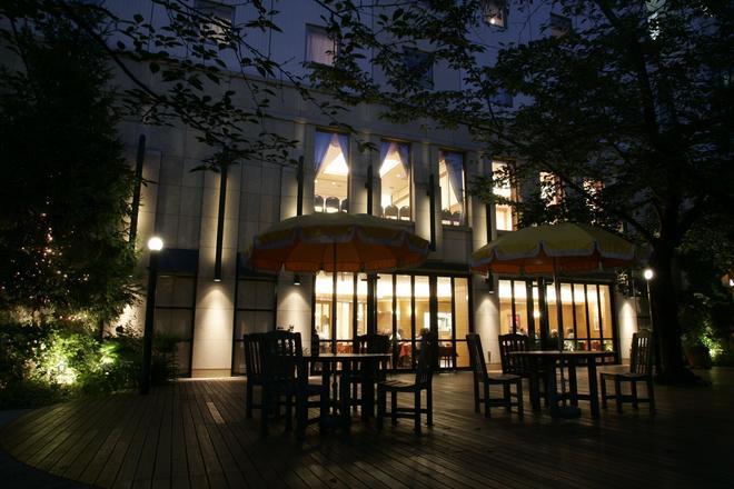 Hotel Jal City Hiroshima - Hiroshima - Patio