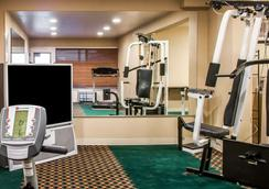 Suburban Extended Stay Hotel East - Albuquerque - Gym