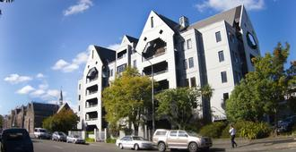 Hotel Give - Christchurch - Building