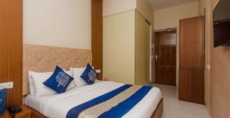 Oyo 3663 Hotel Seven Hills - Μουμπάι - Κρεβατοκάμαρα