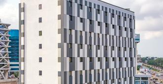 ibis Styles Accra Airport - אקרה