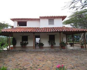 Posada Villa Paula - Barichara - Gebouw
