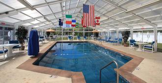 Colonial Acres Resort - West Yarmouth - Pool